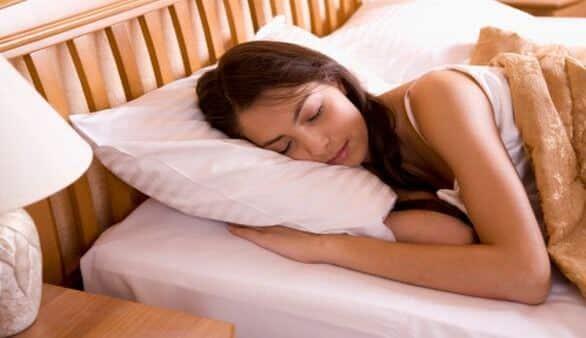Nackt Schlafende Frauen